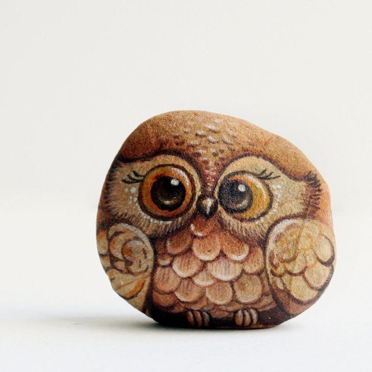 Painted stone (owl Stone painting) by Isideastone on Etsy