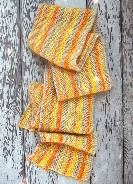 Whit's Knits: SunshineScarf      I feel a little guilty divulging this information, as if I'm betraying the whole rest of the spectrum, but I have to admit that I have a favorite color... yellow. And not just any yellow, not baby yellow or lemon yellow or mustard yellow, but deep and bright and clear sunshine yellow, the kind of yellow that emits its own light and whistles its own carefree tune.    When it comes to this kind of yellow, Alchemy is the master, hands down. Alchemy's yellows are sat...: Sunshine Scarfs, Summer Scarves, Crafts Patterns, Knits Scarves, Craft Patterns, Whit Knits, Scarfs Patterns, Knits Scarfs, Purl Bees