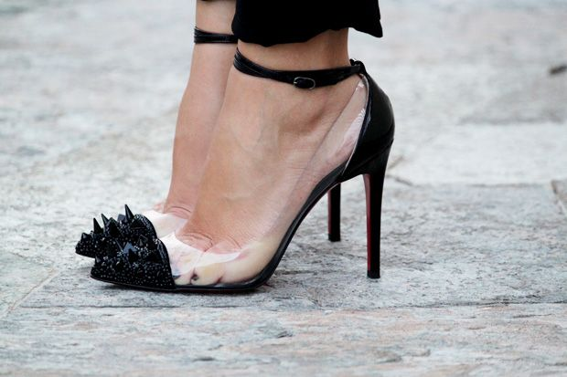 CL: Killers Heels, Fashion Street Style, Studs Heels, Shoes Sho, Black Heels, Amazing Shoes, Christian Louboutin, Louboutin Shoes, Shoes Porn
