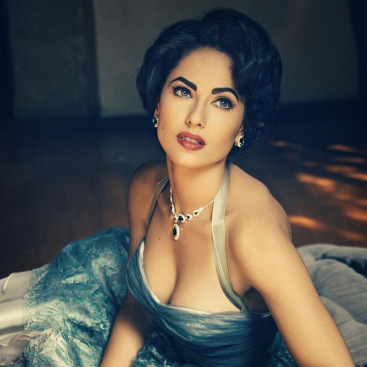 Barbara Mori looks so gorgeous!