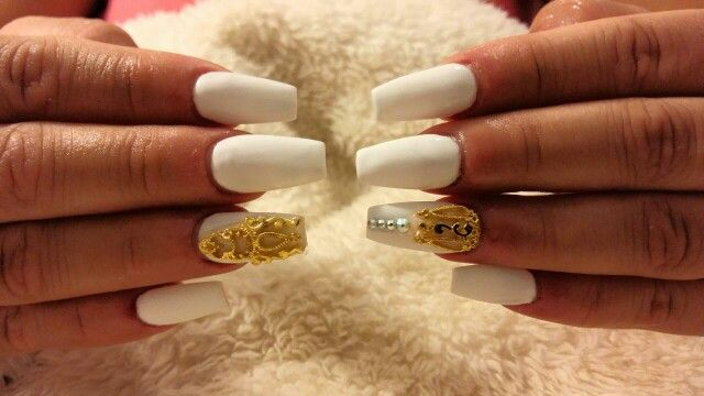 White nails with gold 3d