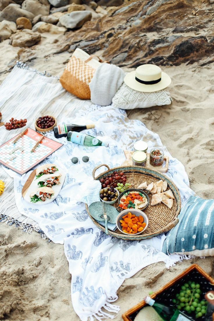Mediterranean Inspired Summer Beach Picnic! - Filled with a hummus entertaining board, American Garlic Lamb Pita pockets, Quinoa Lemon Salad and tons of prosecco!