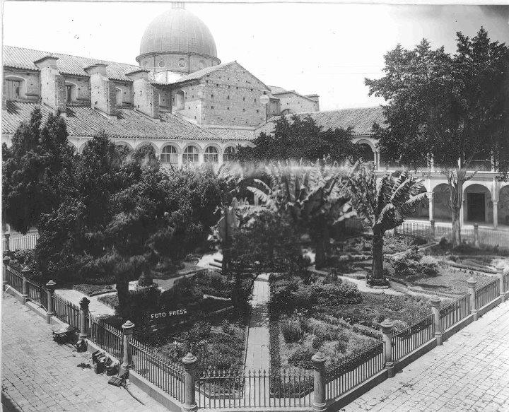 1910, Convento de Santo Domingo - Bogotá, Colombia
