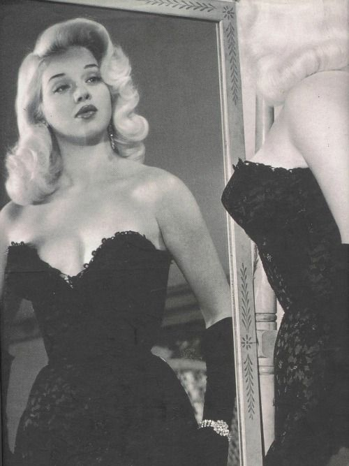 Diana Dors in 1955. Love her hair