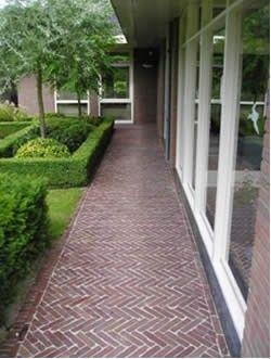 Jaren30woningen.nl | Inspiratie voor de tuin van een jaren 30 woning: waaltjes in keperverband