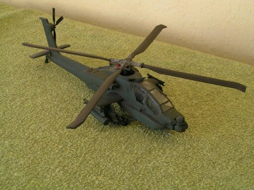 Boeing  AH 64 D Apache    sqn 302   1998