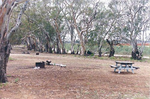 Camping at Lake Mournpall - VIC