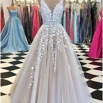 A Line evening gowns,sexy ball gowns, lace applique ,custom made prom,new fashion,v neck party gowns, Tulle Prom Dresses