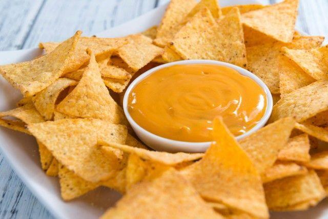 Los auténticos nachos con queso ¡Aquí tienes la receta!  #Nachos #NachosConQueso #RecetaNachos #NachosMexicanos #RecetasMexicanas #Tapas #Entrantes #Aperitivos