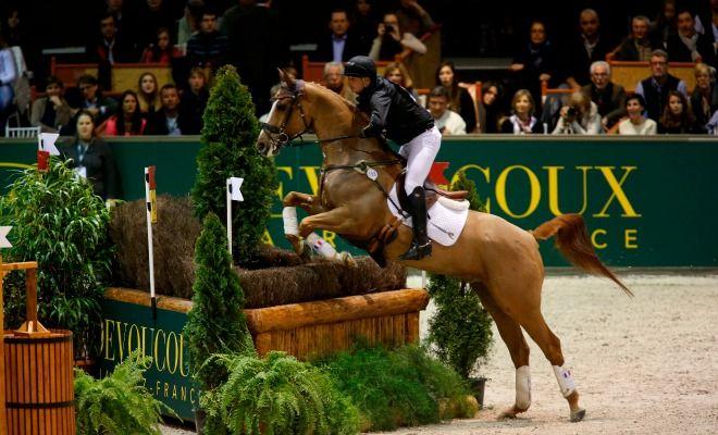 """<p style=""""margin-bottom: 0cm;"""">Du 6 au 8 février, le public est invité à une véritable version indoor du Jumping International de Bordeaux. Les meilleurs cavaliers du monde seront présents au parc des expositions de"""