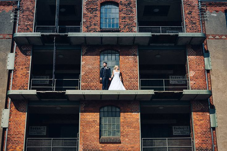 Hochzeitsfotograf in Bremen www.movies-art.de | authentische Hochzeitsfotografie und Hochzeitsfilme | MoviesArt | Hochzeitsfotograf | Hochzeitsfeier | Bräutigam | Braut | Brautpaar | Hochzeit | Hochzeitstanz | Brautpaarshooting | Hochzeitskleid | Brautstrauß | Konfetti | Brautschleier | vsco | Hochzeitsfotografie | Videograf | Hochzeitsfilm | Hochzeitsvideo | Standesamtliche Trauung