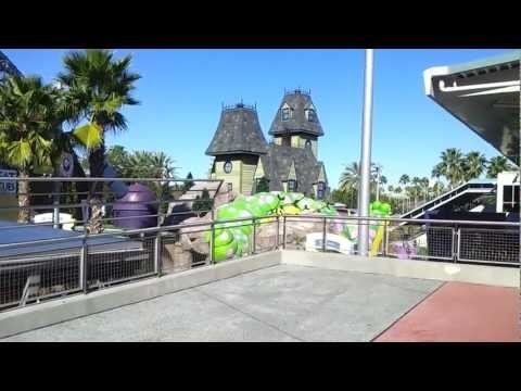 Filmed from where you step off the people-mover style conveyor belt and end up at the entrance to CityWalk.  CityWalk has sooo much to offer. Great restaurants, clubs, karaoke and great shopping. It is situated between the two theme parks.  Be sure to visit http://www.BestOrlandoVacationPackages.com for discount Universal Studios Orlando packages.