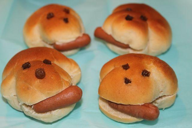 Hondje brood met worst Hotdog