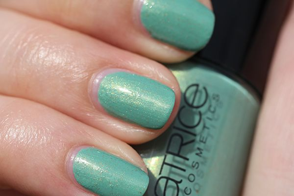 Catrice Ultimate Nail Lacquer 36 Mint Me Up swatch
