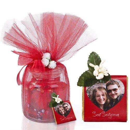 Aşkınıza nazar değmesin diye...  http://www.buldumbuldum.com/hediye/askima_kirk_bir_kere_masallah_sevgi_kavanozu/