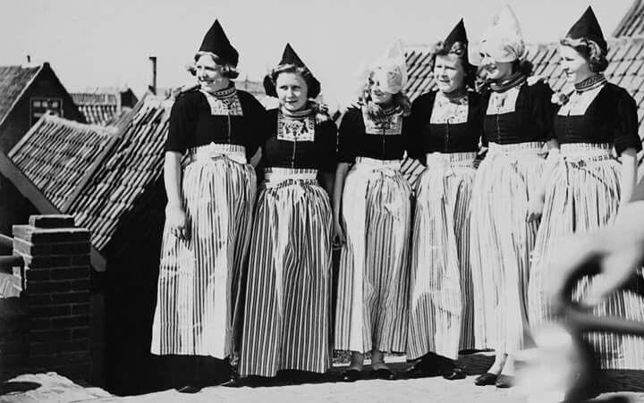 Vrouwen poseren jaren 50