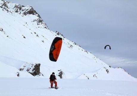 Snowkite on the snow of the Colle della Maddalena #sport #leisure #provinciadicuneo #piemonte #italy