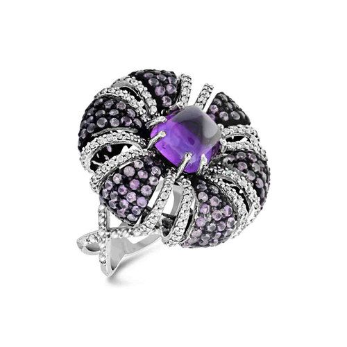 Amethyst sugar loaf with diamonds setted in 92.5 sterling silver.