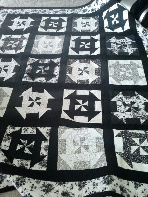 Love the black and white. Quilted and ready to sew the binding.