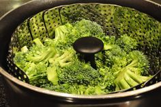 steaming broccoli -steam broccoli for no more than 4 minutes  -bring 1 inch of water to a boil - insert basket with single layer of egg size broccoli florets -cover with lid, reduce heat to  a steady stream of heat NO MORE THAN 4 MINUTES -remove broccoli from steam basket to keep from overheating -broccoli should be sweet and crunchy pg.164