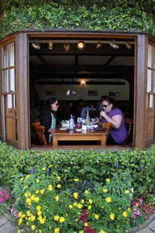 MONTVILLE PUB - dining, cafe, bar, grill - restaurant in Montville, Sunshine Coast hinterland
