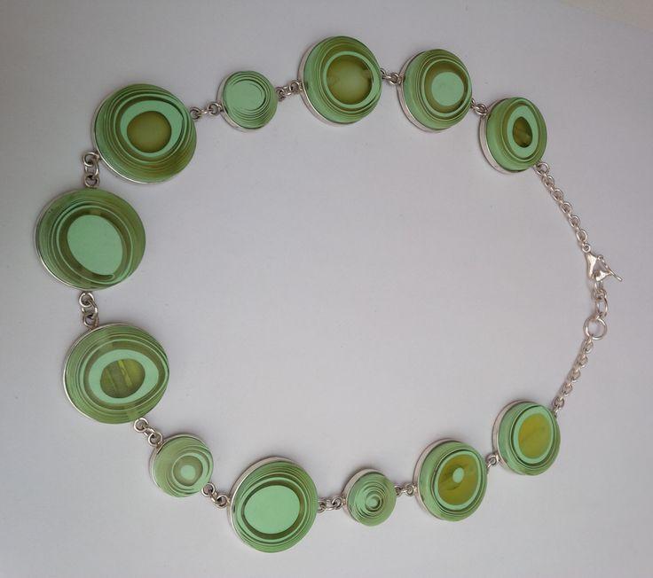 collar de leche verde