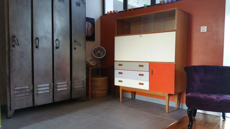 Meuble vintage peint style danois ann es 60 chez nicolas for Chambre design danois