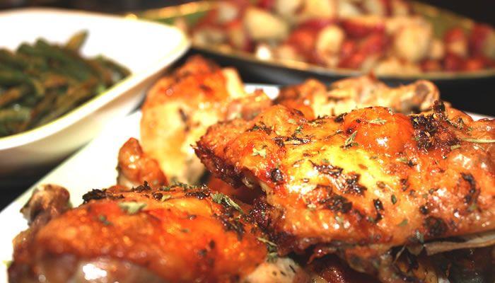Aprenda a fazer a receita de Vinagrete segredinho, para acompanhar o churrasco, o cachorro quente, aquela carne assada. Ele é gostoso e vai bem com tudo!