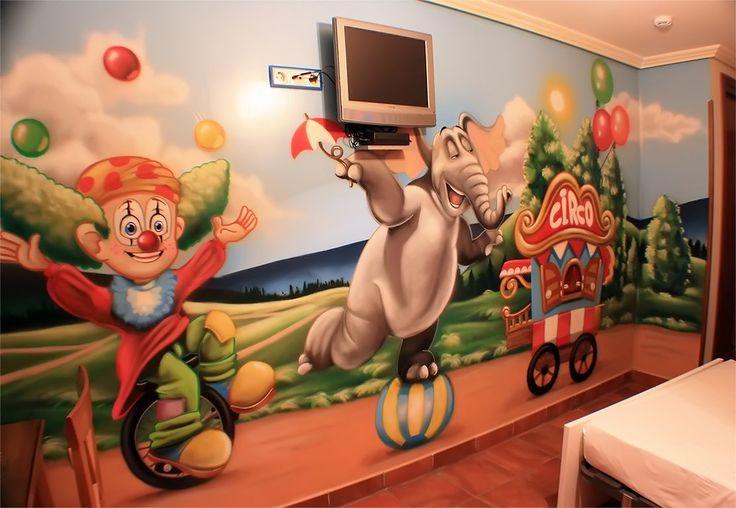 Alojamiento tematico, a 5 Min del parque Warner, habitacion tematica del circo, mas info en :volantehostal@gmail.com