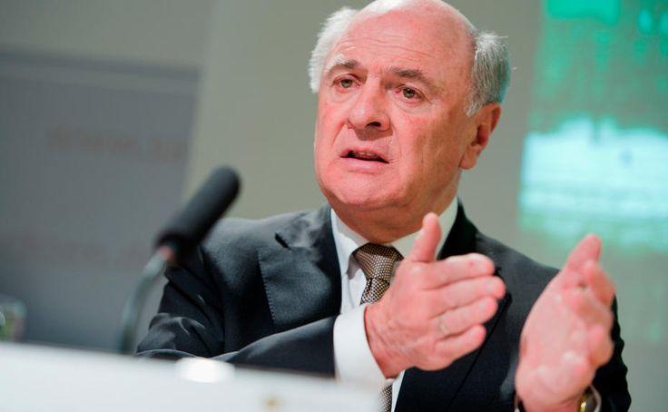 Niederösterreichs Landeshauptmann Erwin Pröll wird nicht bei der Präsidentschaftswahl antreten. Im Internet wurde das Nein von Pröll heiß diskutiert – einige Wortmeldungen im Überblick.