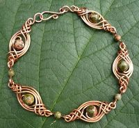 Celtic design bracelet - with  instructions.  ALSO LOTS of How To's & beautiful projects
