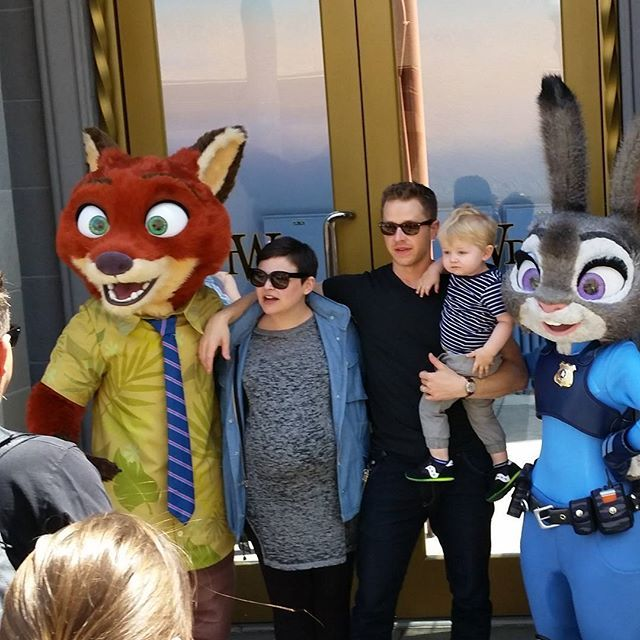 Here is the whole charming family together. They are such a cute family! #zootopia #disney #DCA #oncers #gennifergoodwin #joshdallas #onceuponatime #once