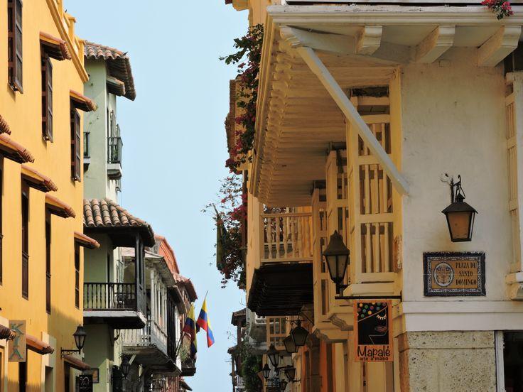 Plaza de Santo Domingo.   Centro Histórico de Cartagena de Indias. Marzo de 2016 @alejo_ib