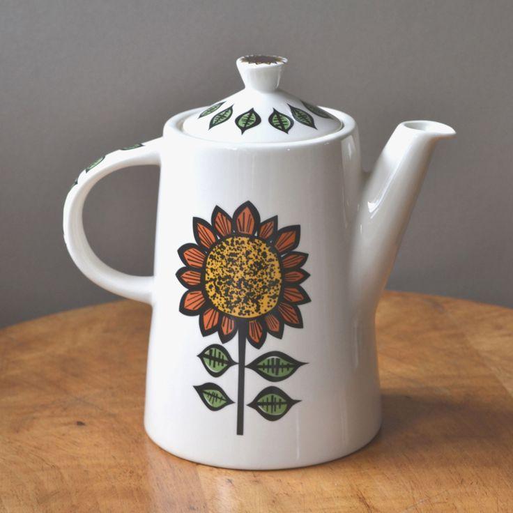 The new Sunflower Teapot by Hannah Turner #hannahturner #sunflower Available on the website for £32.99