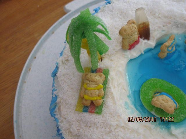 actually made this! #accomplishment #poolparty #likeacakeboss