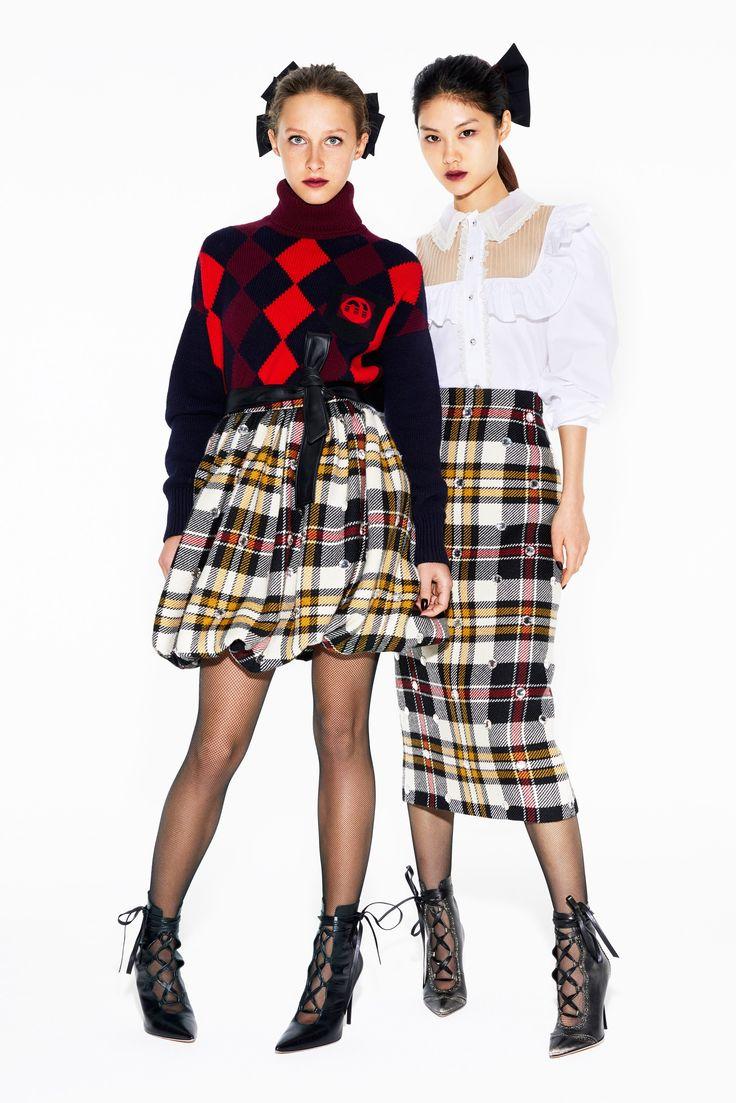 Miu Miu Pre-Fall 2018 Fashion Show Collection