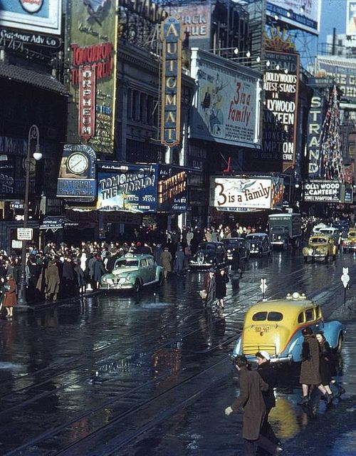 Times Square, New York City, 1944 photo via besttravelphotos