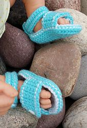 Ravelry: Sporty Stitched Button Baby Sandals pattern by Heather Ormond