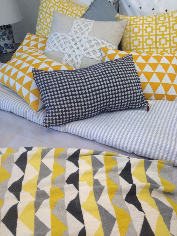 Yellow, grey & white for a bedroom