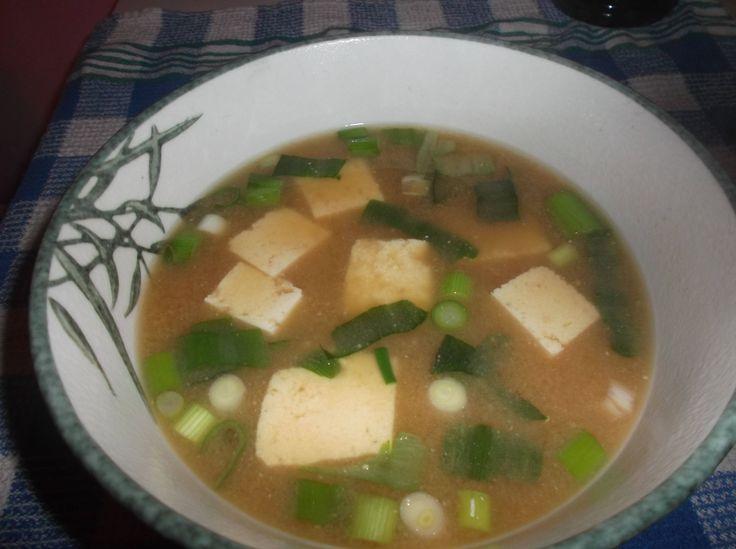 Rezept: Miso Suppe (abgeändert) - http://eckengeek.de/rezepte/rezept-miso-suppe-abgeaendert