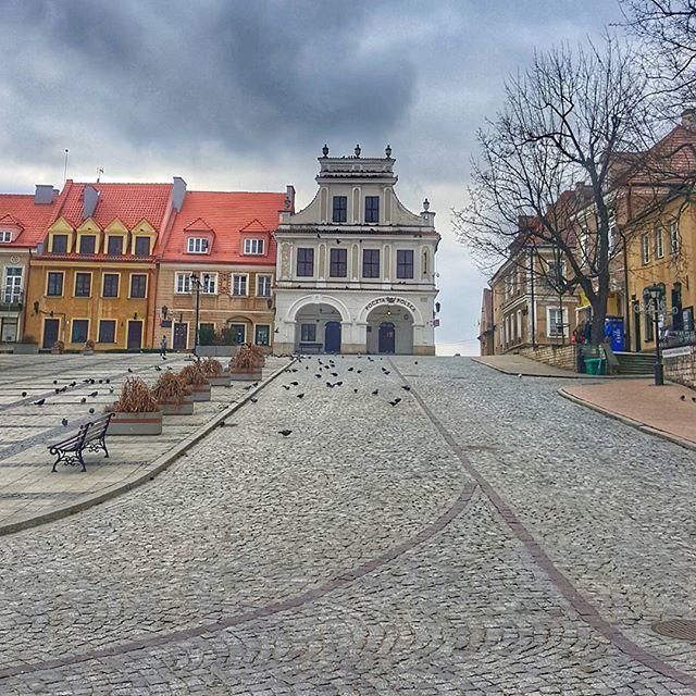 Up the hill  #travel #iseeplaces #travelphotography #worldinmotion #allaroundtheworld #postcardsfromtheworld #arountheworld #worldplaces #traveltheworld #travelgram #travelphoto #picoftheday #oldtown #photography #architecture  #instagram #instagood #instatravel #instamood #instalove #igdaily #like4like #l4l #followforfollow #streetphotography #photos_from_poland #polska