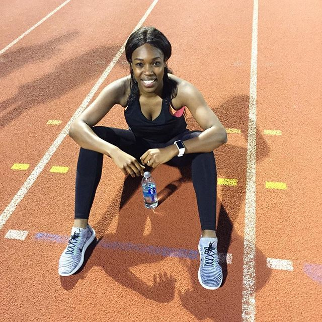 The track was fast tonight... I think we've all caught Olympic fever 🙌🏾. We did a workout inspired by Shelly-Ann Fraser Price: 4 X 400m alternating between 10km and 5km pace. 45 seconds between each rep. 4 X 300m. Alternating between 5km and mile pace. 1 minute rest between reps. Then the fun began. 4 X 200m. Alternating between mile pace and all out pace with 1 minute between reps. 4 X 100m at all out pace. 1 minute 30 between reps 👏🏾👏🏾👏🏾👏🏾 Thanks coach @roryknightfitness & @mromg…