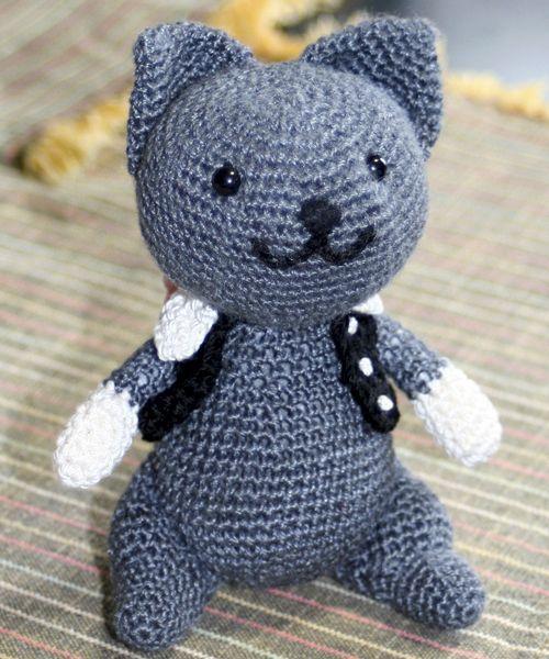 あみぐるみの手乗り猫|初心者から始める手編みと編み図|ぱじるしあみもの 小さい猫の編みぐるみ