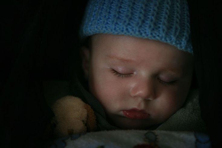 Maluch nie może spać? Trzeba jak najszybciej pomóc mu w walce z bezsennością - http://www.strokel.com.pl/maluch-nie-moze-spac-trzeba-jak-najszybciej-pomoc-mu-w-walce-z/