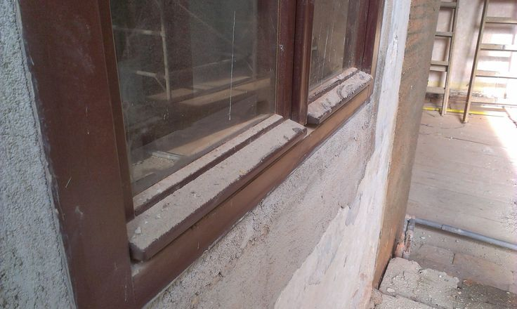Když neochraňujete okna od zednických materiálů dopadne to nějak takhle
