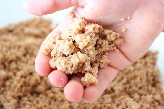 Arena comestible: Juego Sensorial para niños | Blog de BabyCenter @carolinallinas