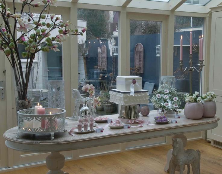 Wedding barok style dessert table