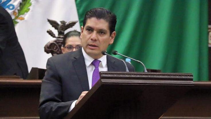 El coordinador del PVEM en el Congreso del Estado presentó una iniciativa de reforma al Código Electoral de Michoacán para que se pueda registrar más de un candidato independiente en ...