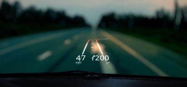 O aplicativo grátis que projeta um GPS no vidro do carro