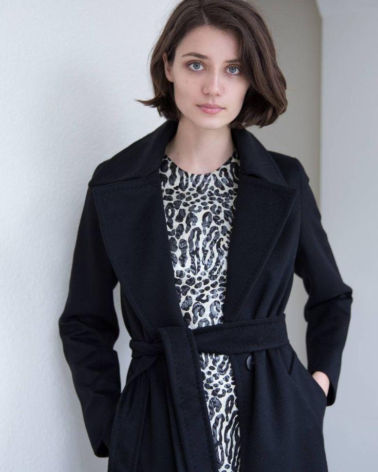 Essentials @neelashearer@ashleighwesseling cashmere coat @maxmara@carlazampatti . . . . #pin #purecashmere #brandnew #leopardprint